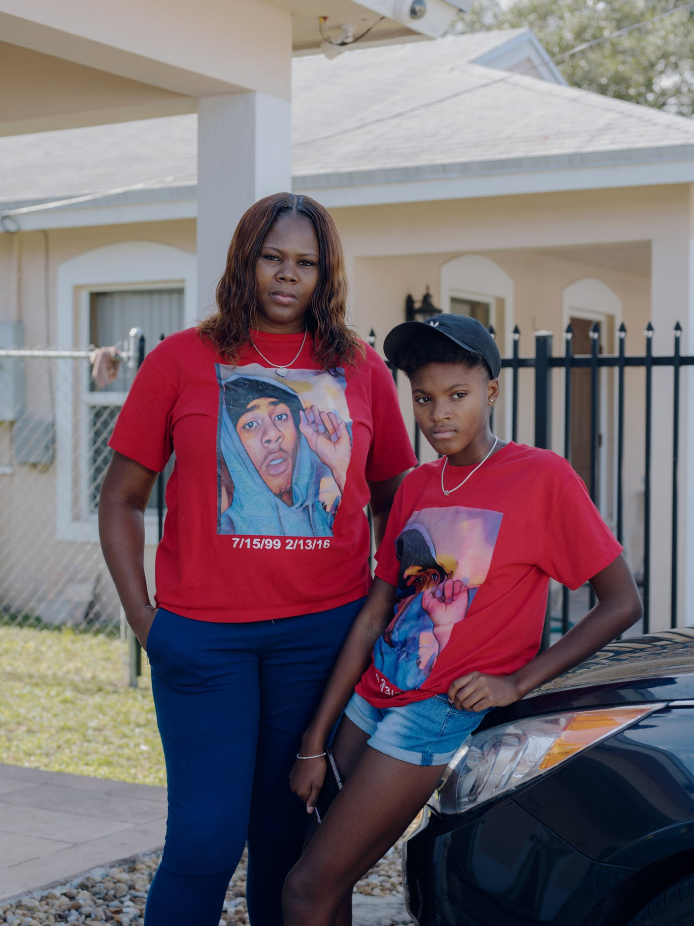 1e0d749e1 Sharita Warren, 36, and her daughter Se'Maya Simon, 13, wearing T-shirts  that memorialize Warren's son, La'Nard Wilcher, who was shot and killed  several ...