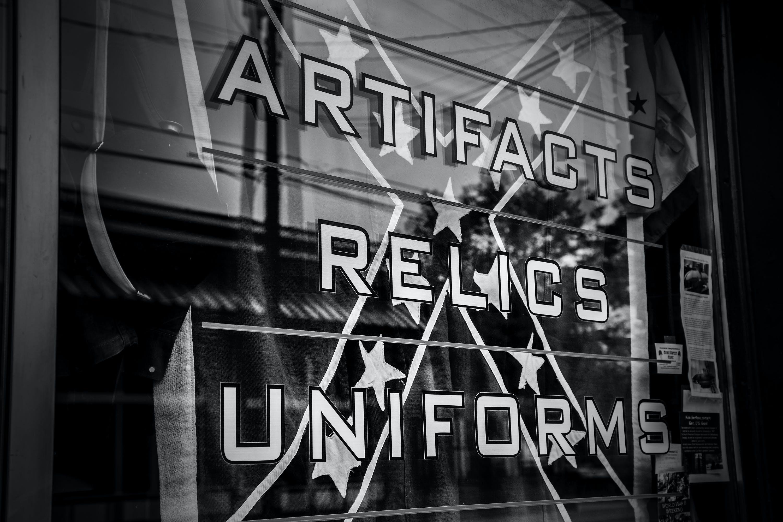 A store window in Gettysburg.