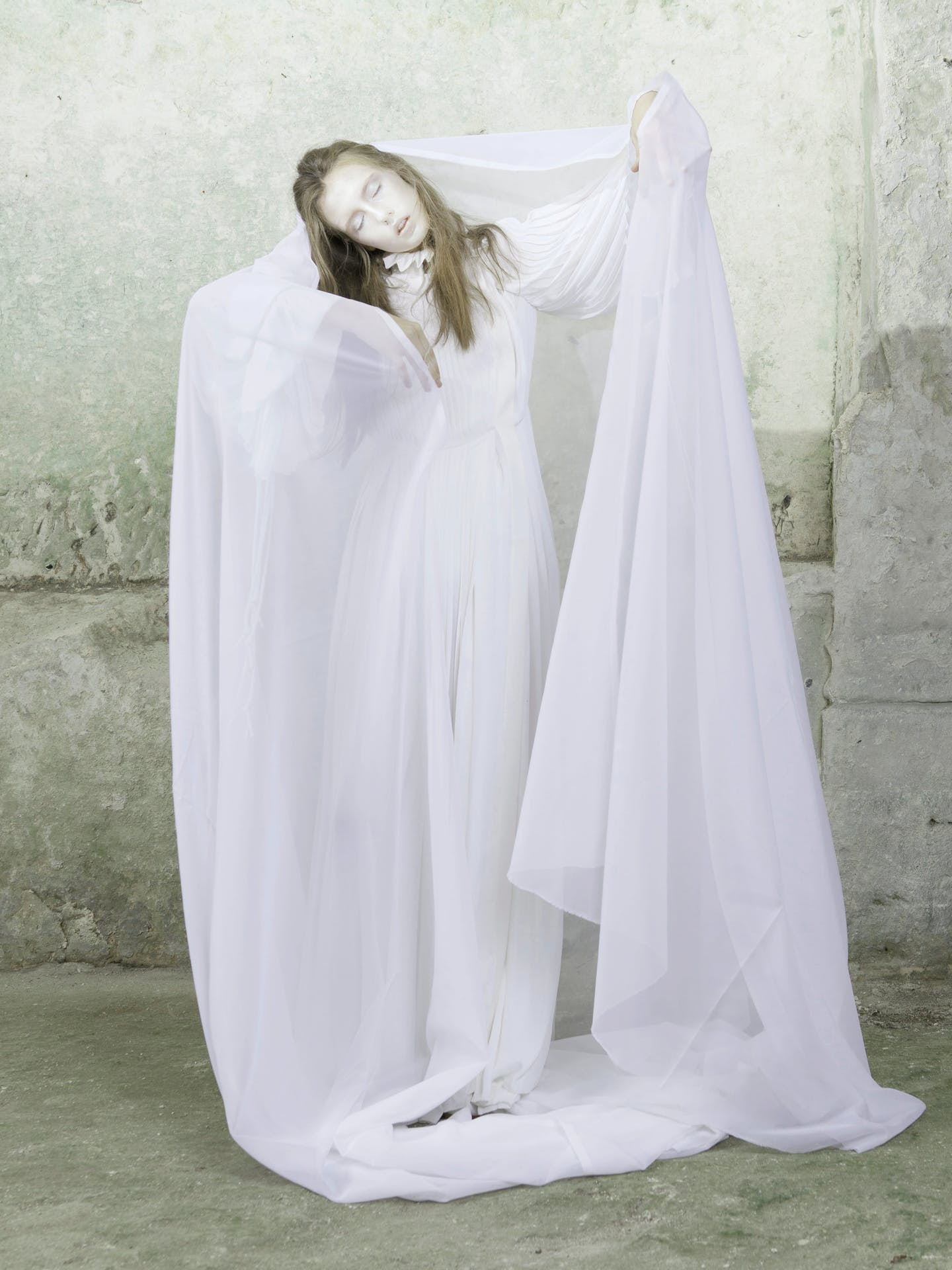 Ghost Stories: Female Ghosts and The Men They Haunt | Topic